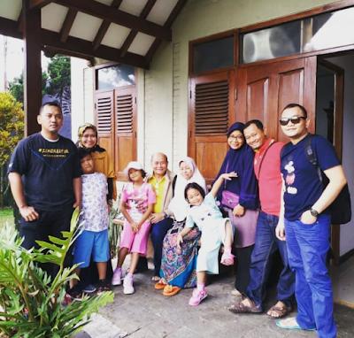 Pagi Yang Sejuk di Villa De Rossa, Lembang, Bandung