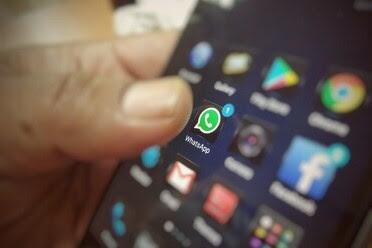 Cara Mengubah Warna Teks WhatsApp