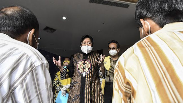 Risma Buatkan KTP untuk Pengamen dan Gelandangan di Jakarta, Target 100 Orang Per Hari