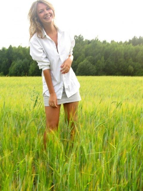 beautiful Russian model pics, smart Russian model pic