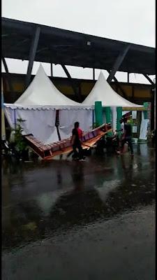 Diterjang Hujan dan Angin, Stand Tebo Expo Banyak Ambruk