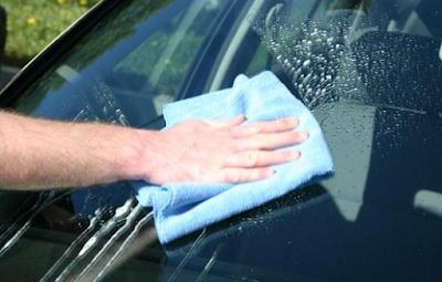 Penyebab Jamur di Kaca Mobil Paling Sering Dialami
