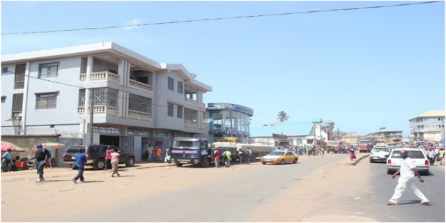 Uma das paisagens da cidade Freetown onde foi encontrada a Sky Stone