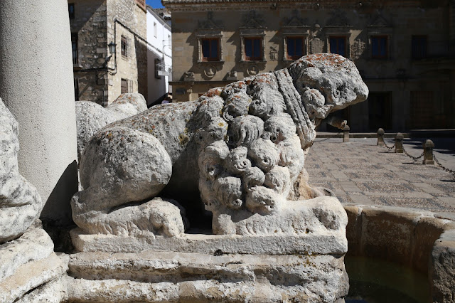 Leon en piedra arenisca romano