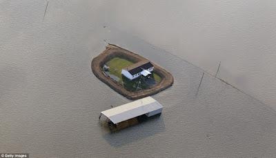 บ้านน้ำท่วม