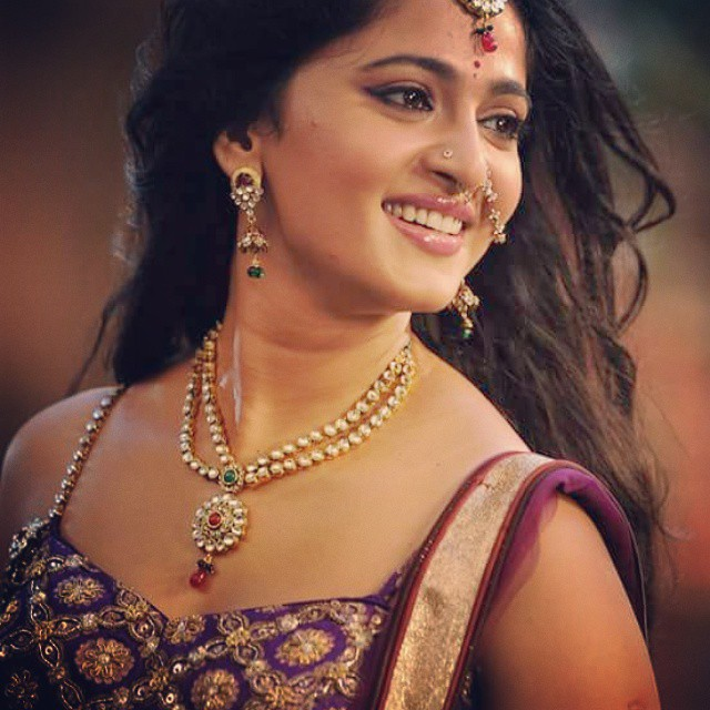 Anushka Shetty  (Indian Actress) Biography, Wiki, Age, Height, Career, Family, Awards, and Many More