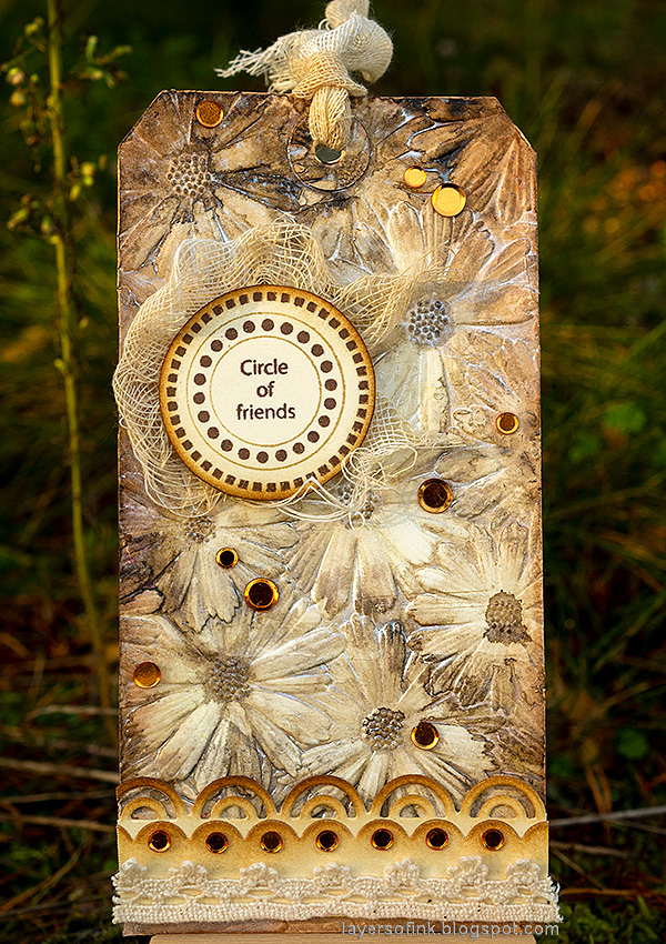 Layers of ink - Shimmery Dry Embossed Flowers Tag Tutorial by Anna-Karin Evaldsson.