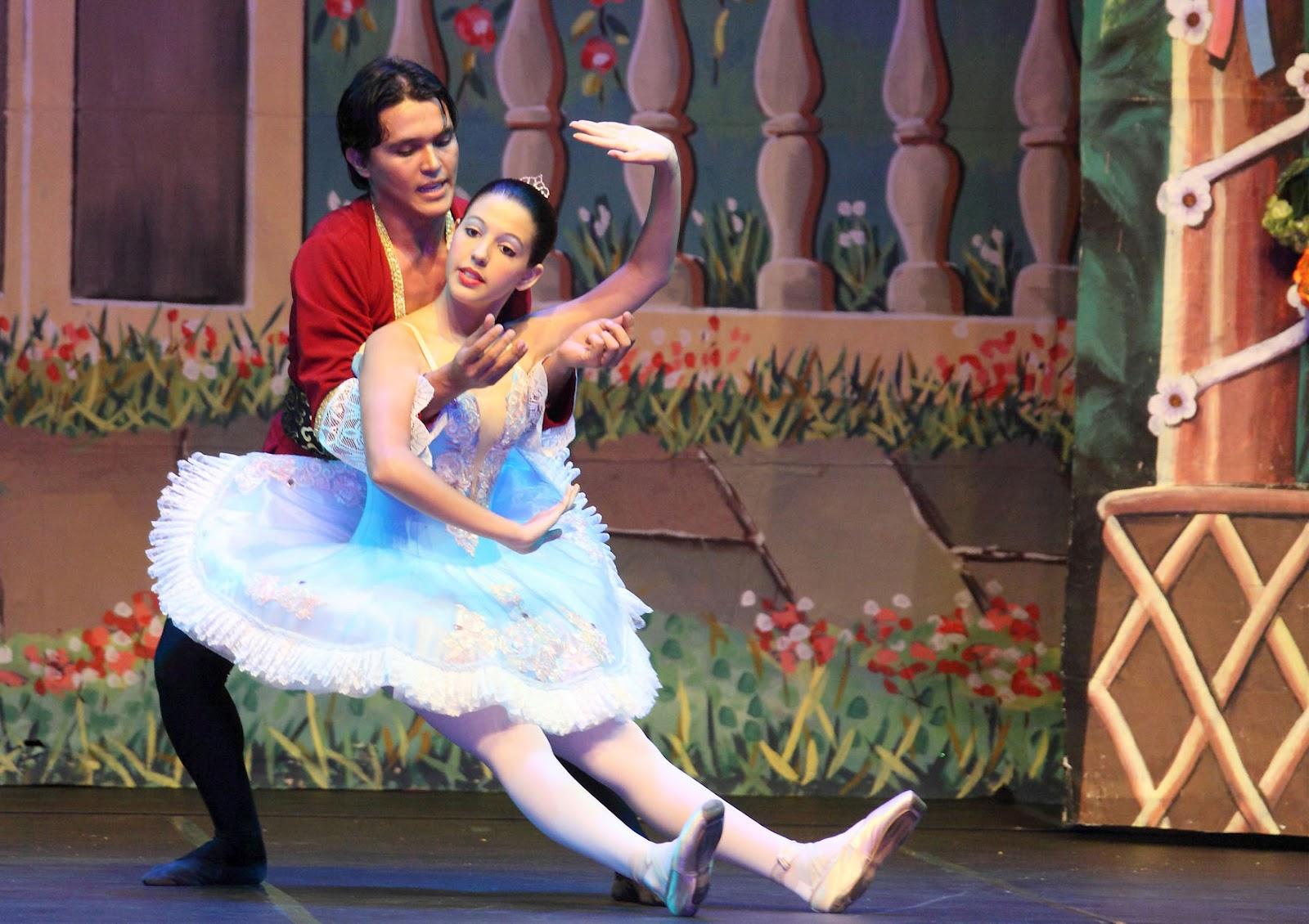 ade248df0f Ballet clássico e dança contemporânea em espetáculo com quatro atrações  diferentes no Teatro Luiz Mendonça
