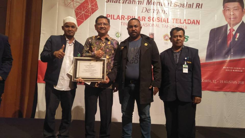 Lembaga Peduli Dhuafa Mendapat penghargaan dari Kementerian Sosial RI