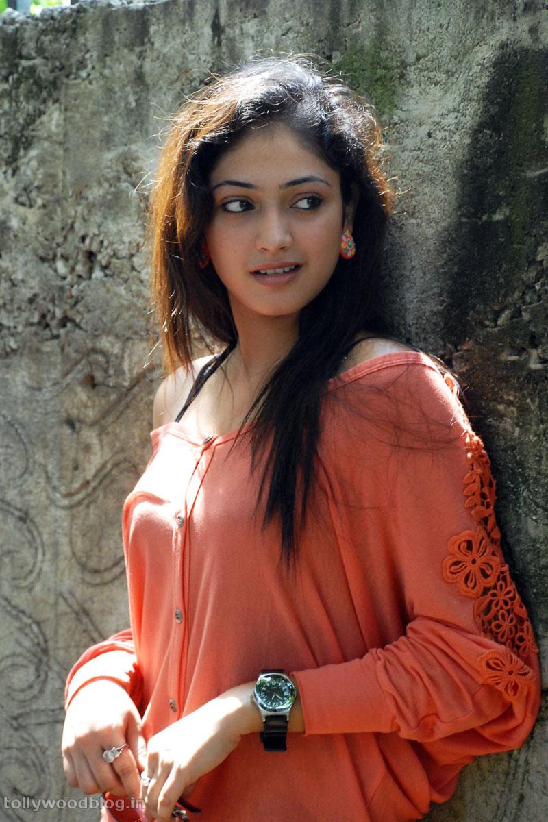 Hari Priya Latest Beautiful hot Photos Stills-HQ-Photo-2