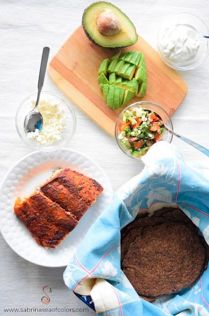 Tacos de linaza con salmón