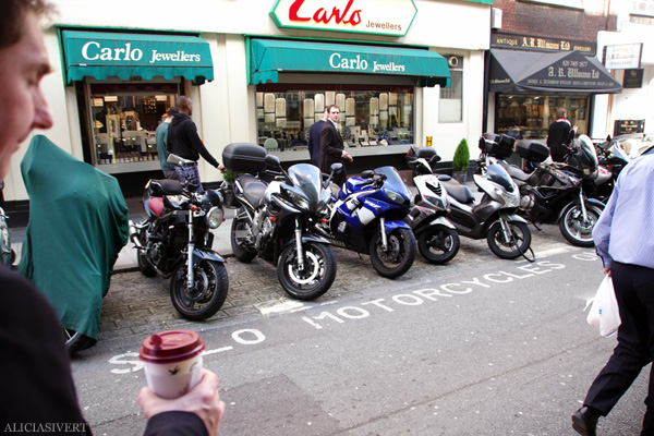 aliciasivert, alicia sivertsson, london med grabbarna, england, solo motorcycles only