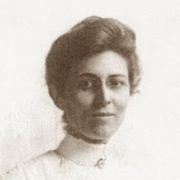 Head and shoulders image of Dr. Josie Rogers as a young woman