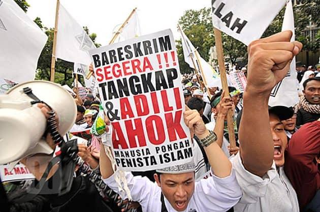 Pendukung Ahok Ingin Bubarkan MUI, Umat Islam Kobarkan Resolusi Jihad
