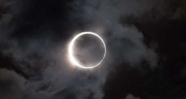 انتهاء كسوف الشمس الكلي اليوم الاثنين 21-8-2017 في امريكا | دعاء كسوف الشمس قصير الان