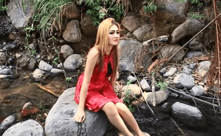 Lirik Lagu Sun Akoni - Nella Kharisma