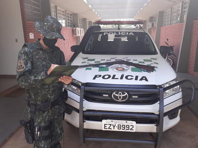 Polícia Ambiental apreende espingarda durante fiscalização em assentamento