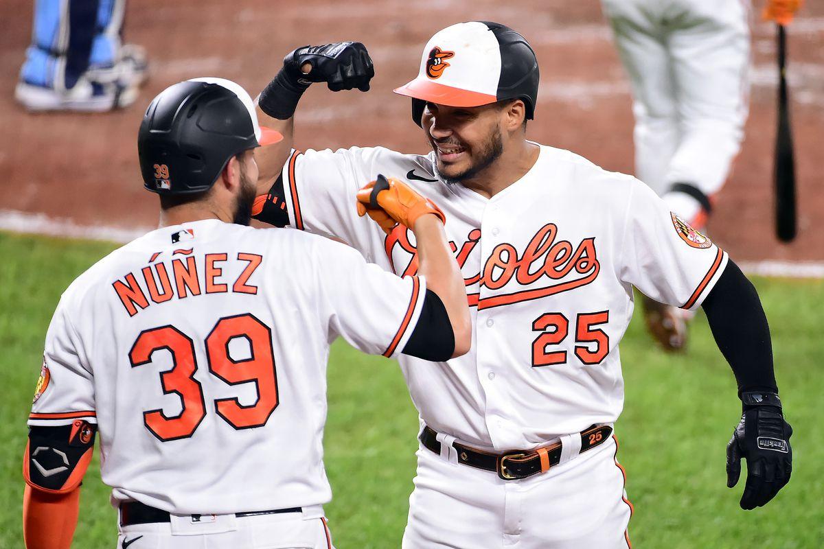 Renato Núñez y Anthony Santander