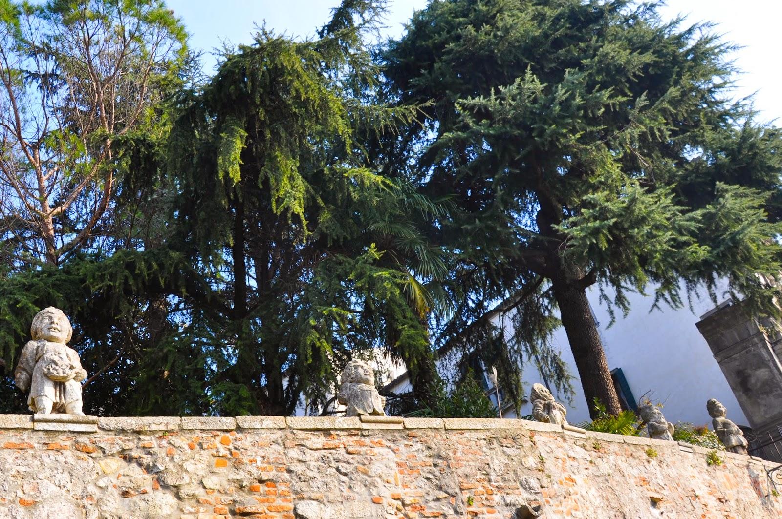 dwarves wall Villa Nani-Mocenigo Monselice Italy