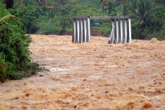 Banjir Padang Renggut 2 Nyawa, 1 Rumah Hanyut, 2 Roboh