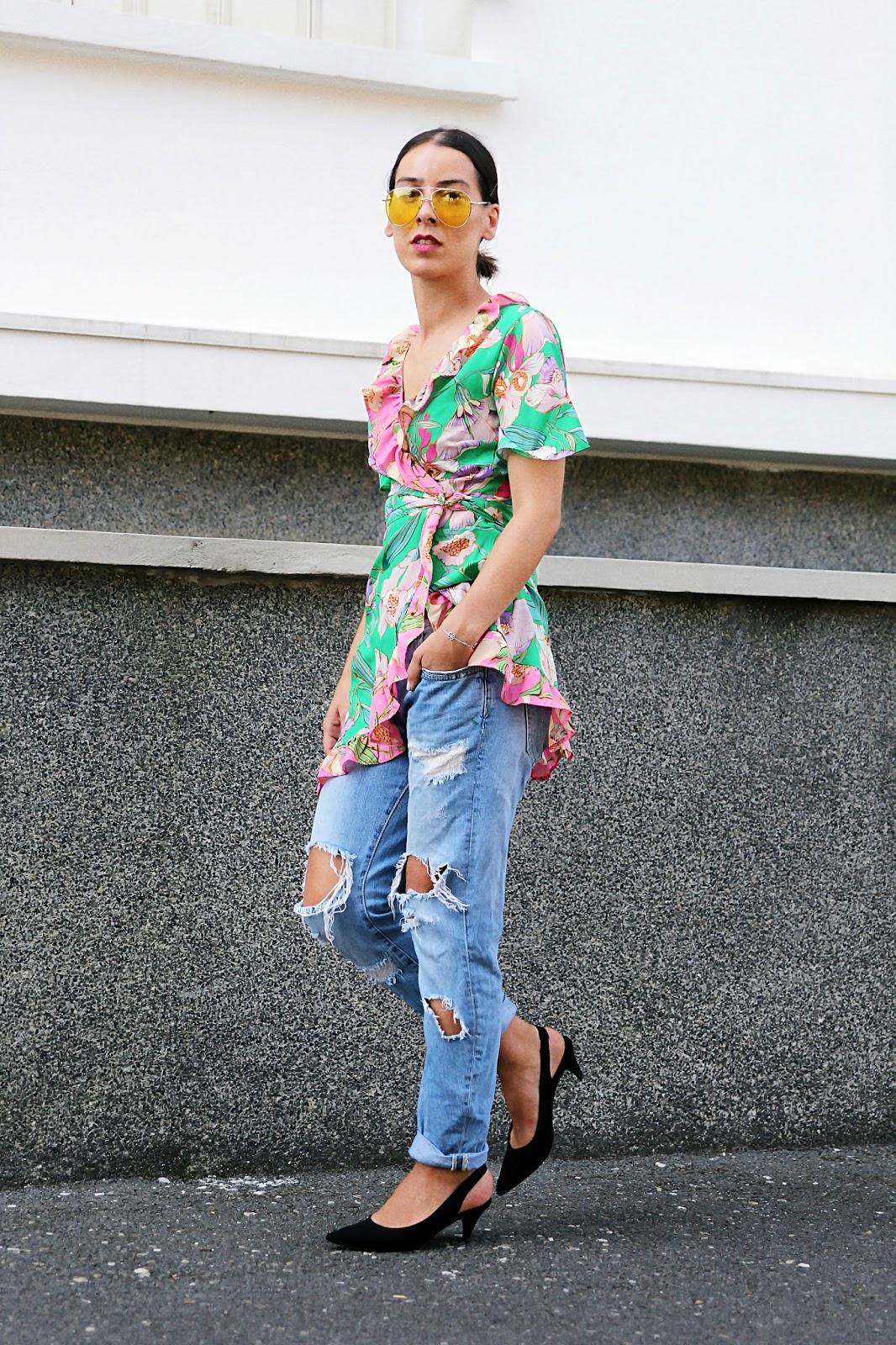 idée-de-look-rentrée-fleurs-blouse-denim