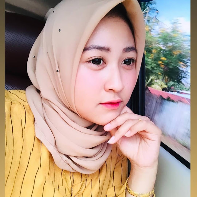 Hijab Model Now