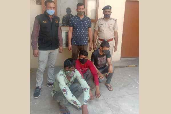 faridabad-crime-branch-sector-48-arrested-atm-fraud-three-accused