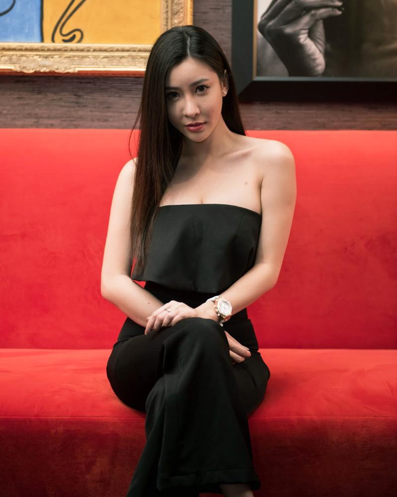 Melody Low cewek manis dan seksi imut