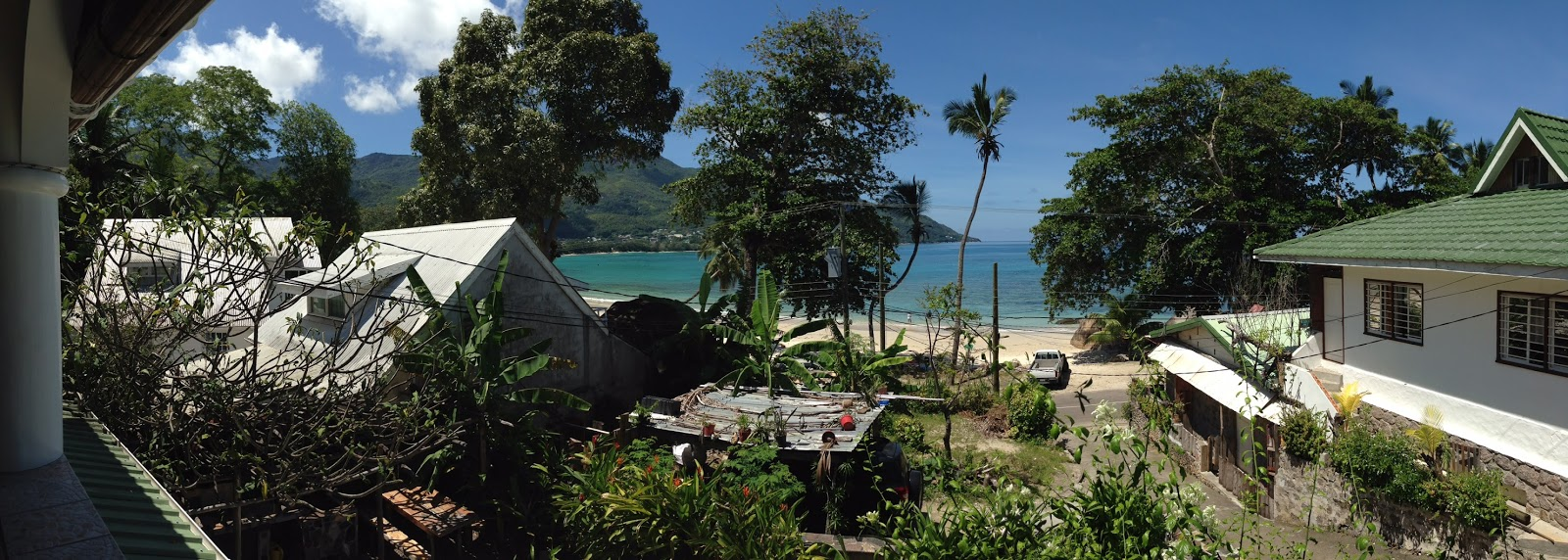 100 seychelles 1 caterings beau vallon creole for Meuble belot soignies
