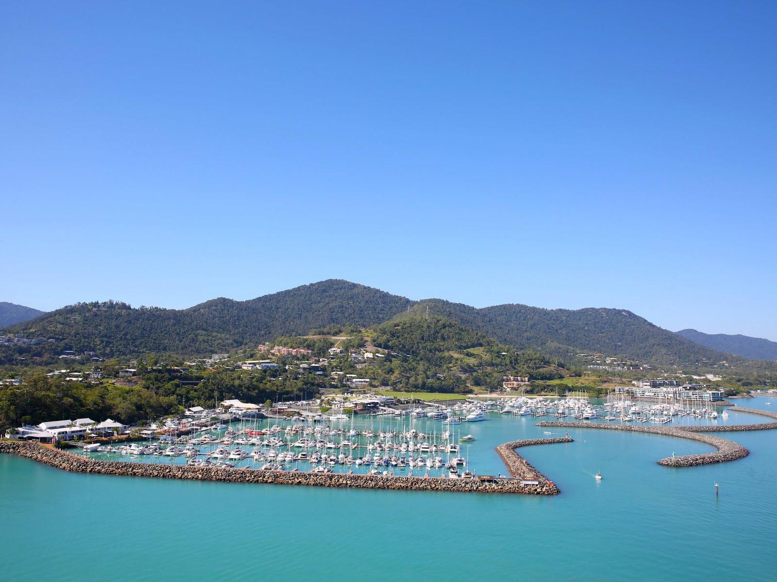 聖靈群島-艾爾利海灘-推薦-景點-珊瑚海碼頭-Coral-Sea-Marina-市區-旅遊-觀光-行程-遊記-自由行-一日遊-半日遊-Airlie-Beach-Travel-Attraction
