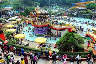 Karang Setra Waterland - Suasana Pemandian Karangsetra - Paket Wisata Bandung