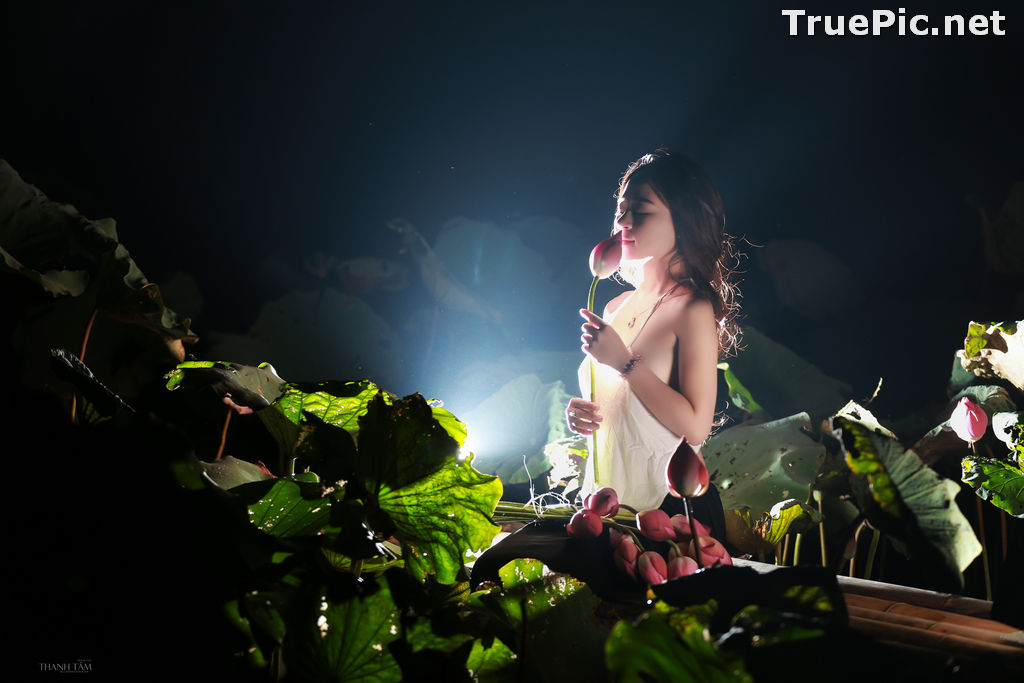 Image Vietnamese Model - Ha Minie - Beauty Girl and Lotus Flower #2 - TruePic.net - Picture-7