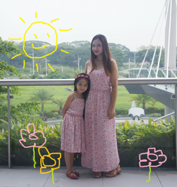 mother and daughter matching twinning outfit dresses