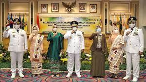 Dendi-Marzuki resmi dilantik sebagai Bupati dan Wakil Bupati Pesawaran periode 2021-2024