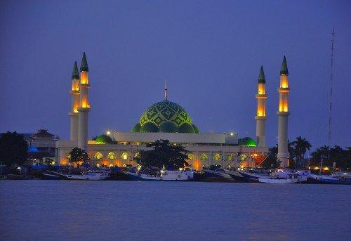 Masjid Raya Darussalam Samarinda Bernuansa Turki