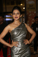 Rakul Preet Singh in Shining Glittering Golden Half Shoulder Gown at 64th Jio Filmfare Awards South ~  Exclusive 025.JPG