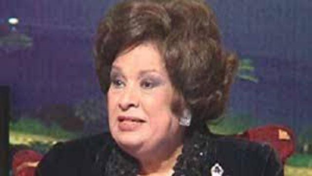 شيرين تطلب من الجمهور الدعاء للفنانة كريمة مختار