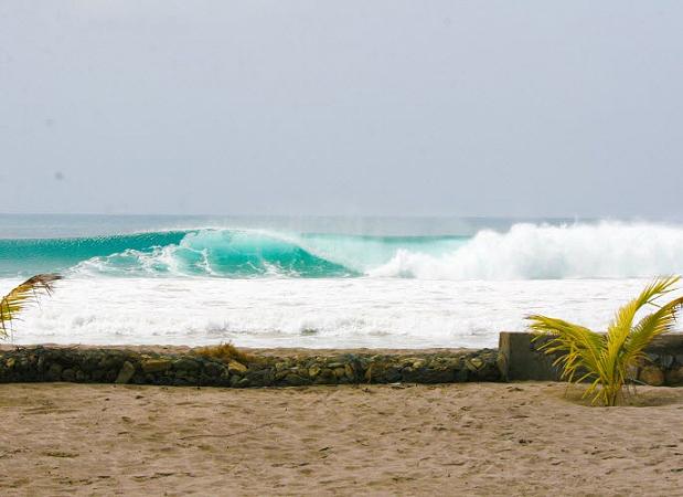 surfing colorado beach nicaragua