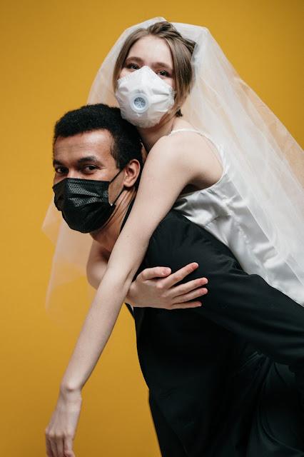 intimate wedding adalah