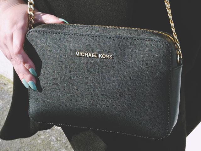 Black michael kors jetset bag