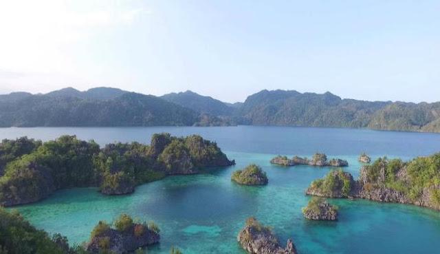 Pulau sambori ini juga di kenal dengan raja ampatnya sulawesi tengah Pulau Sambori, Raja Ampat Sulawesi