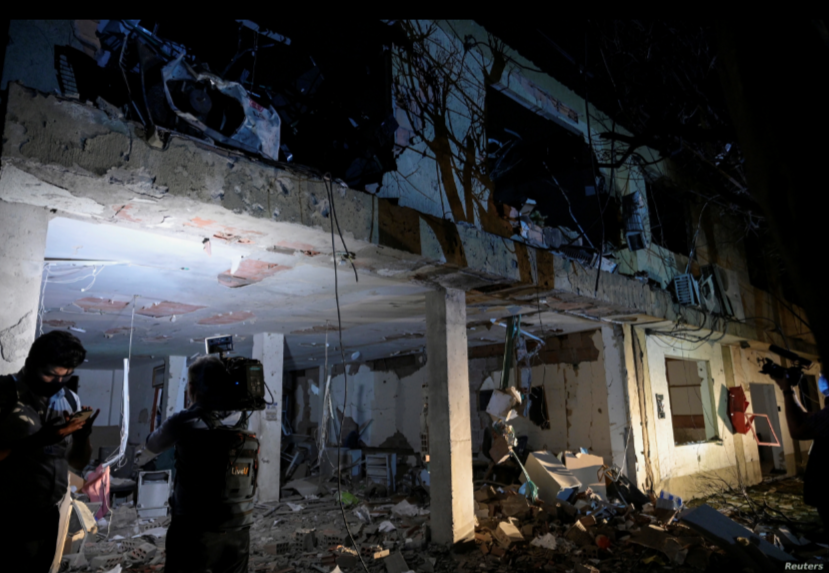 Una vista de las instalaciones destruidas de una base militar, que según las autoridades se debió a la explosión de un coche bomba, se observa en Cúcuta, Colombia, el 16 de junio de 2021 / REUTERS