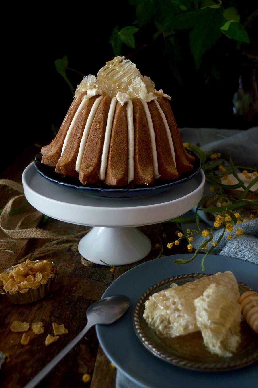 honeycomb-cereal-bundt-cake