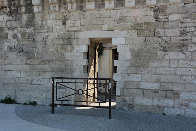 Avignon wall pedestrian gate