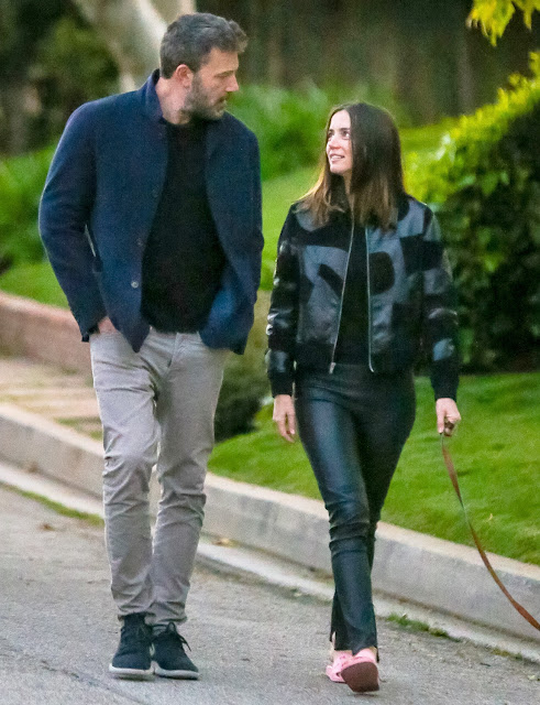 Ben Affleck and Ana de Armas Share an Intimate Kiss While Out Walking in Los Angeles