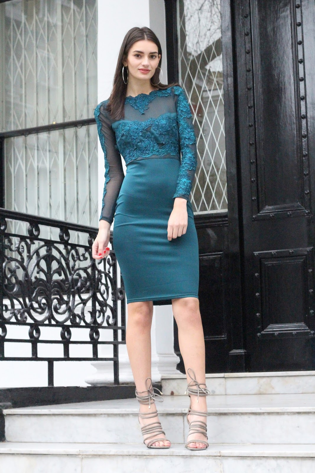 peexo fashion blogger wearing midi dress with mesh inserts
