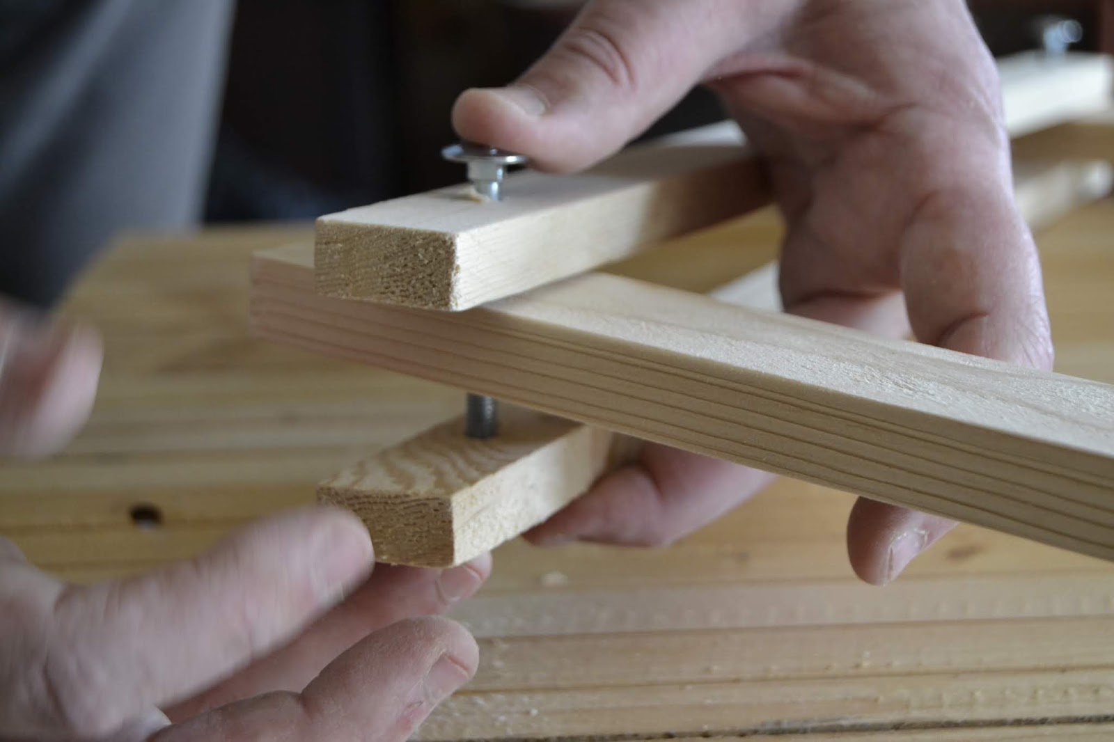 Diy, ¿cómo hacer un aplique de madera articulado de estilo nórdico-vintage