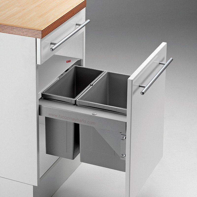 Kits de cubos de basura para cocina tu cocina y ba o - Cubo basura puerta ...