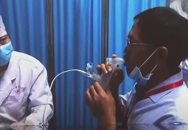 Farmacéutica CanSino presenta la primera vacuna inhalada contra el Covid-19