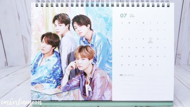 BTS 2020 Season Greetings - Desk Calendar